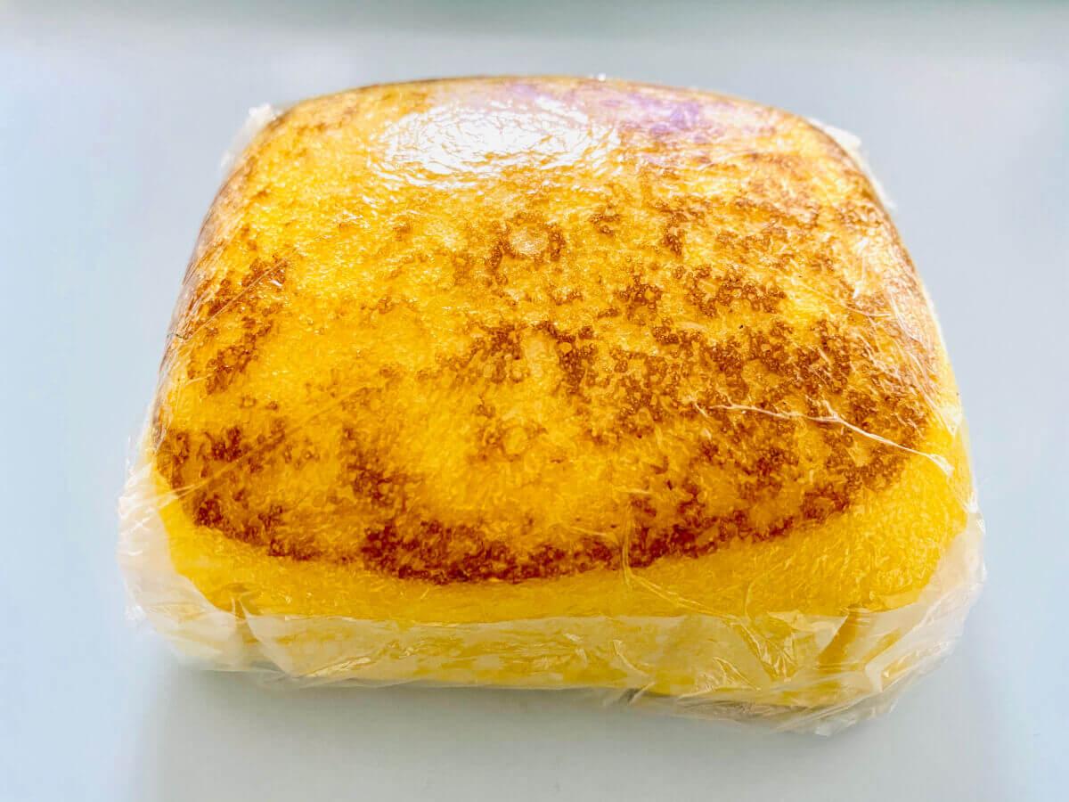 ダイソーの熟成厚焼きたまご風蒸しパン